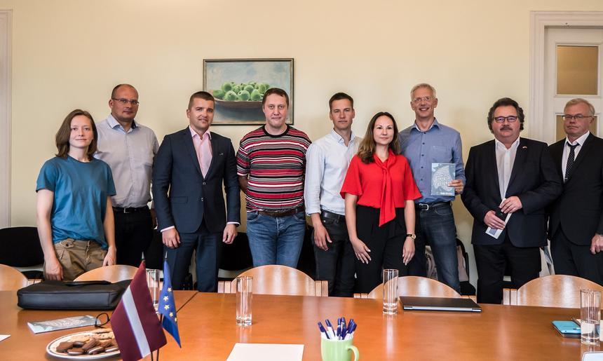 LNPAA tiekas ar Eiropas Parlamenta deputātu Krišjāni Kariņu